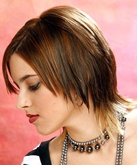 model rambut pendek, konsultasikan selalu dengan ahli penata rambut ...